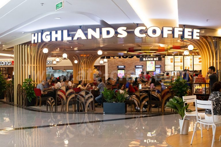 Cafe Landmark 81 - Highlands Coffee Landmark 81