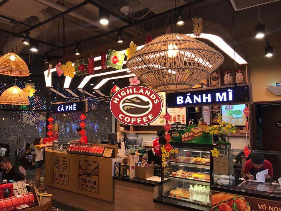 Highlands Coffee Vincom Đồng khởi