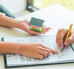 Ký hợp đồng mua nhà